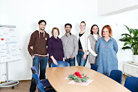 Mitarbeiter der AWO SoLa von links nach rechts: Andreas Pilot, Patrizia Yagli, Najib Norozian, Ariane Tiedemann, Kiuya Duran, Lorella Palumbo