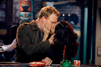 Cristina Yang (Sandra Oh) Owen Hunt (Kevin McKidd) 7.21 I Will Survive kiss