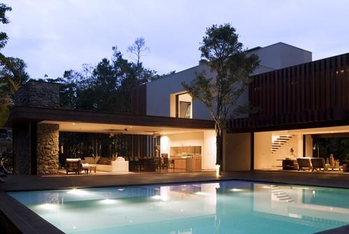Catha tr s tr s chic 37 fotos de lindas casas modernas for Casas super modernas fotos