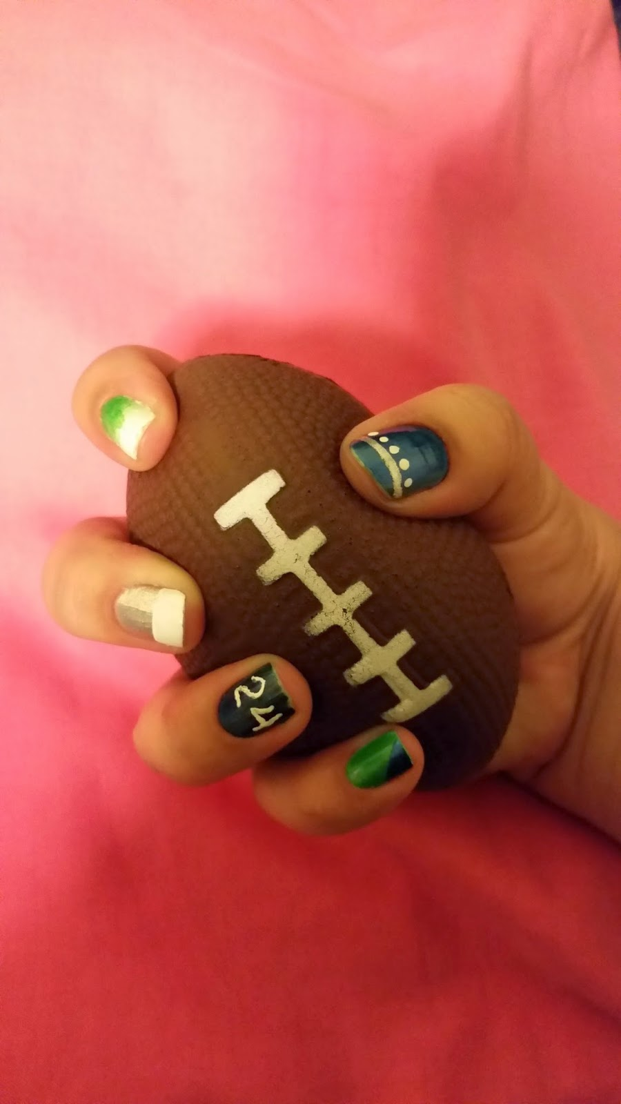 Female Fandom: Nail Art for the Big Game 2015!