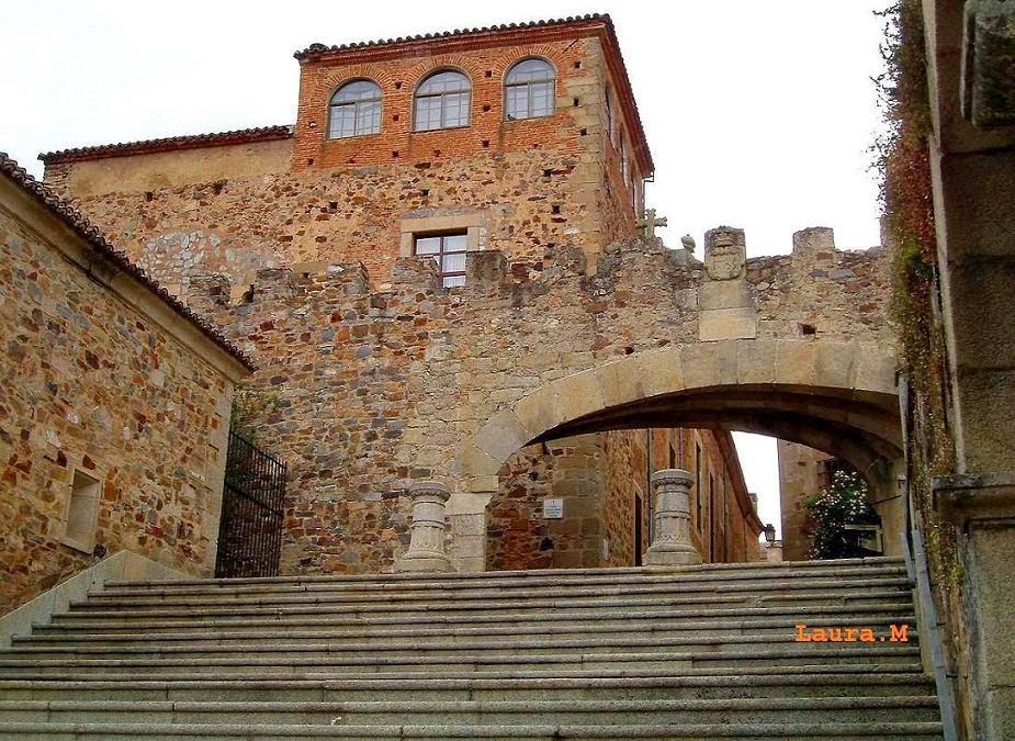 CÁCERES - Patrimonio de la Humanidad.  Entra  a  verlo.
