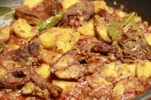 Rui macher kalia curry de carpes fa on bengali bengali for Elever des carpes