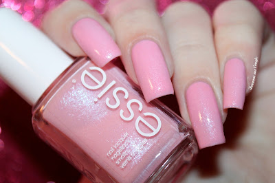 """Swatch of """"We're In It Together"""" by Essie"""