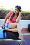Prabhajeet Kaur Glamorous Photo shoot-thumbnail-27