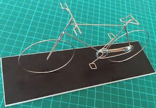 Belajar Membuat Kerajinan Miniatur Sepeda Ontel dari Kawat