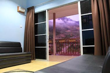 Mengintai Kinabalu dari Ruang Tamu