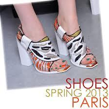 tren model sepatu wanita cantik