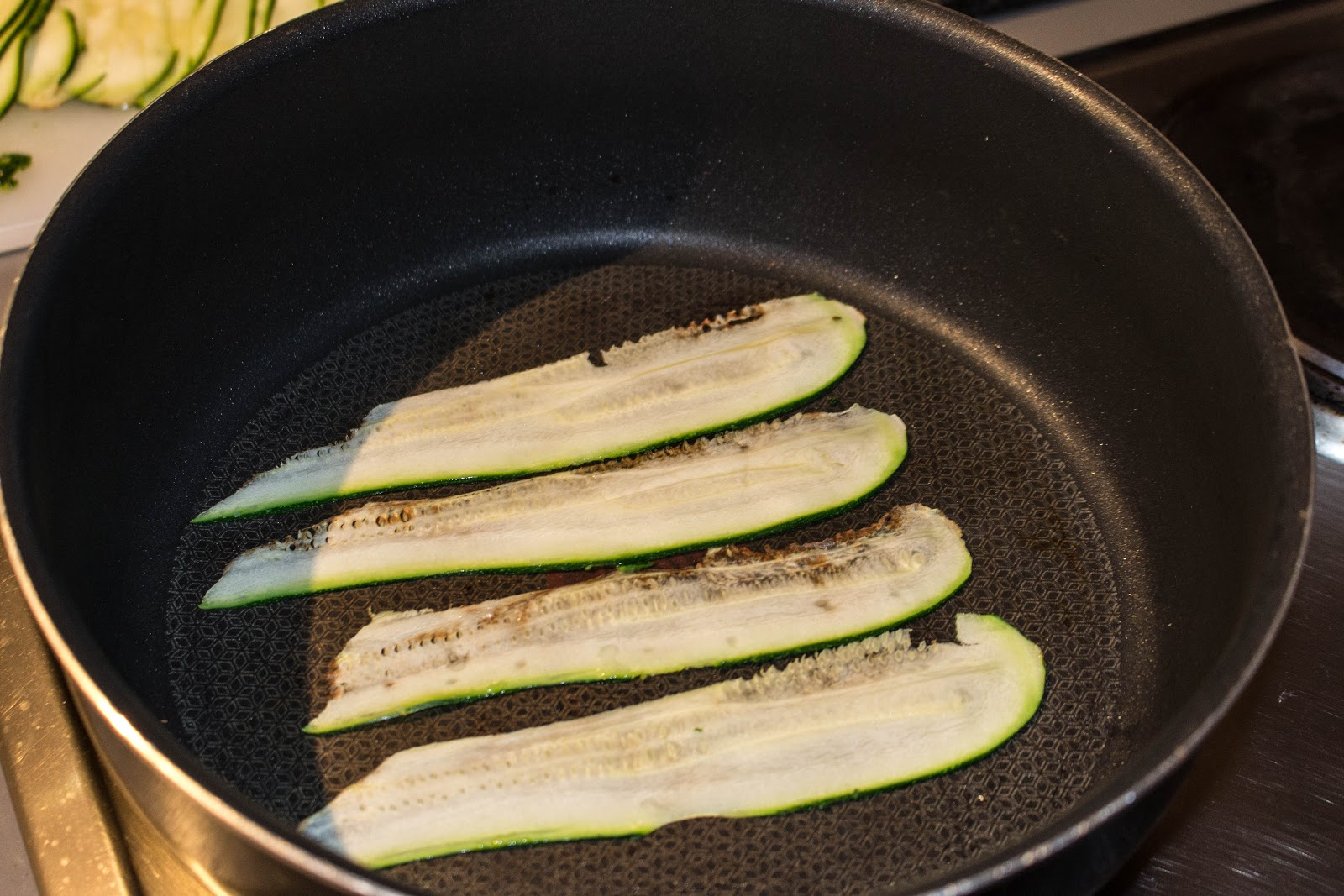 Super thin slices of courgette will cook in seconds | Svelte Salivations