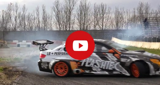 750 hp suralimenté BMW M3 E92 dérive et crachant des flammes