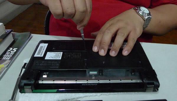 Laptop with 3g sim card slot casino royale 1967 film cast