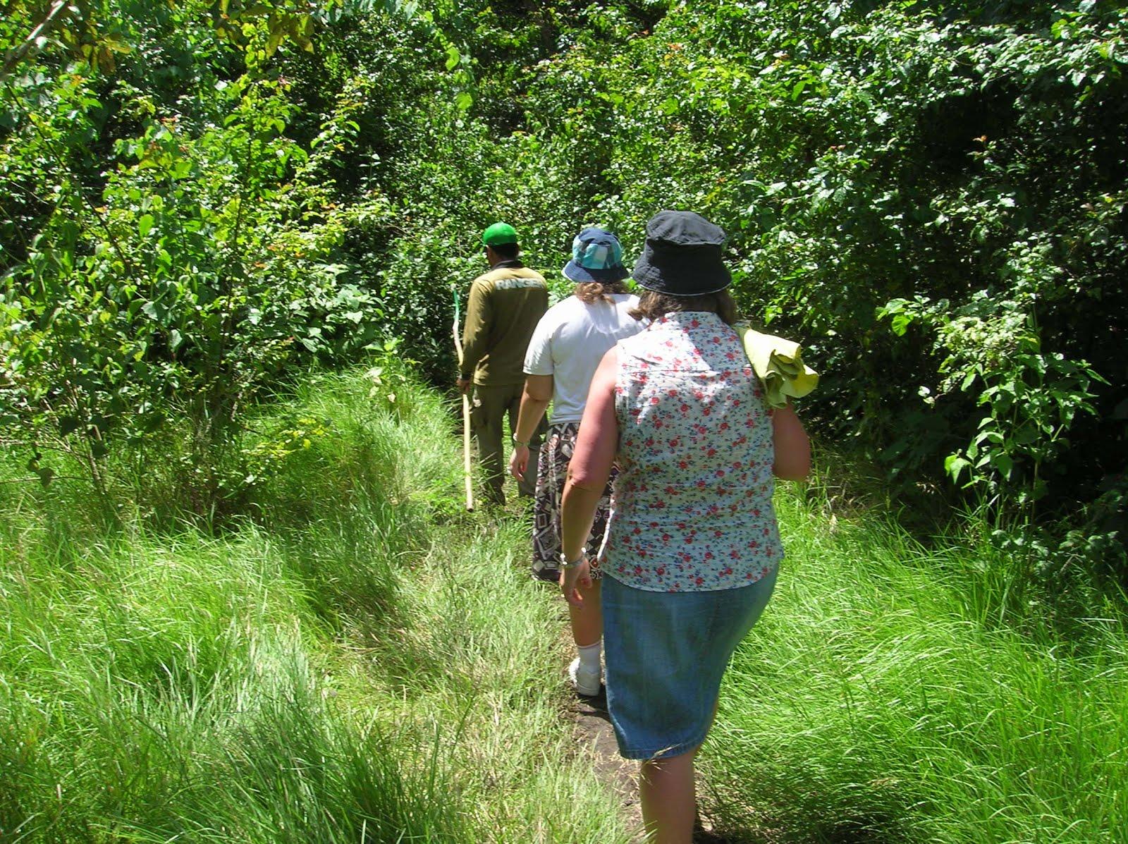 Ranger, Parque Nacional de Komodo,Isla de Ricla, Isla de Flores, vuelta al mundo, round the world, La vuelta al mundo de Asun y Ricardo