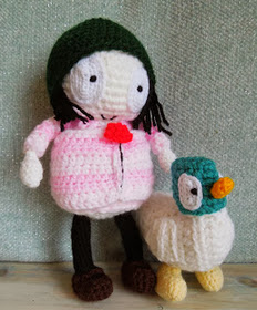 http://translate.googleusercontent.com/translate_c?depth=1&hl=es&rurl=translate.google.es&sl=auto&tl=es&u=http://happyberrycrochet.blogspot.ca/2013/10/how-to-sarah-and-duck-crochet-pattern.html&usg=ALkJrhgeEzmAtY9OxN6UYrJR5ZfiArsg1A