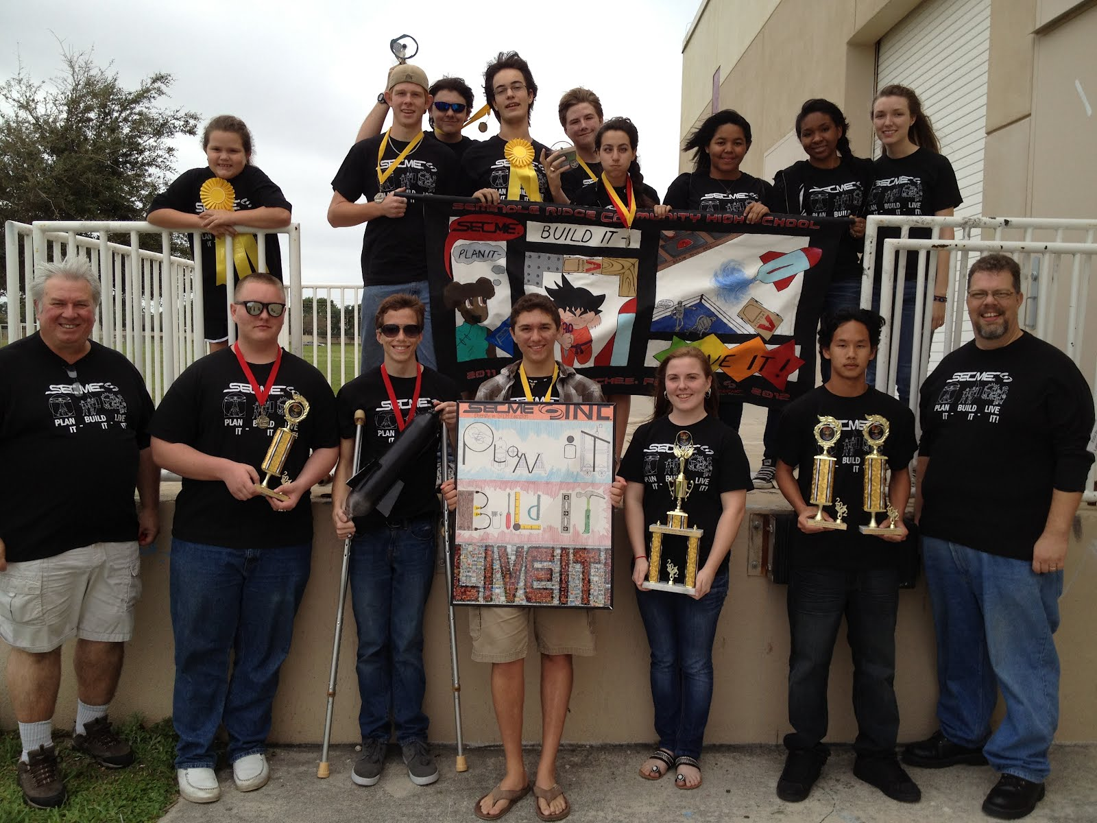 seminole ridge secme plan it build it live it win it and the hawks soared high honorable mention brain bowl honorable mention mousetrap powered vehicle second place water rocket second place poster