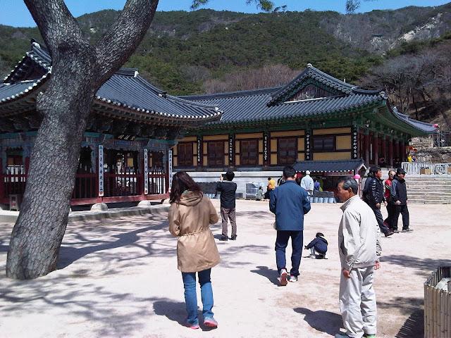Sudok-Sa Monastery half way