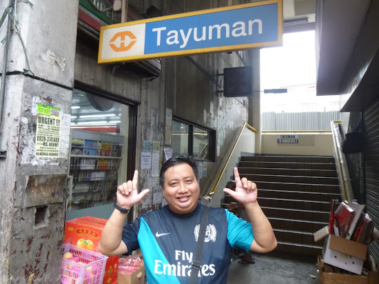 AJ posing at LRT - Tayuman Station