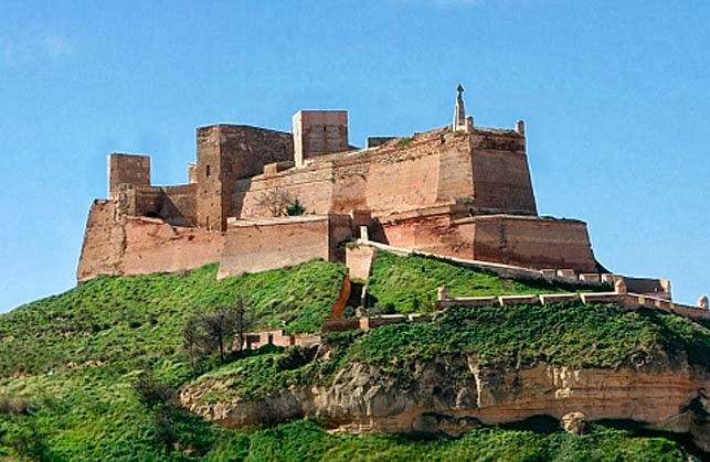 Huesca rutas y lugares El Castillo de Monzn
