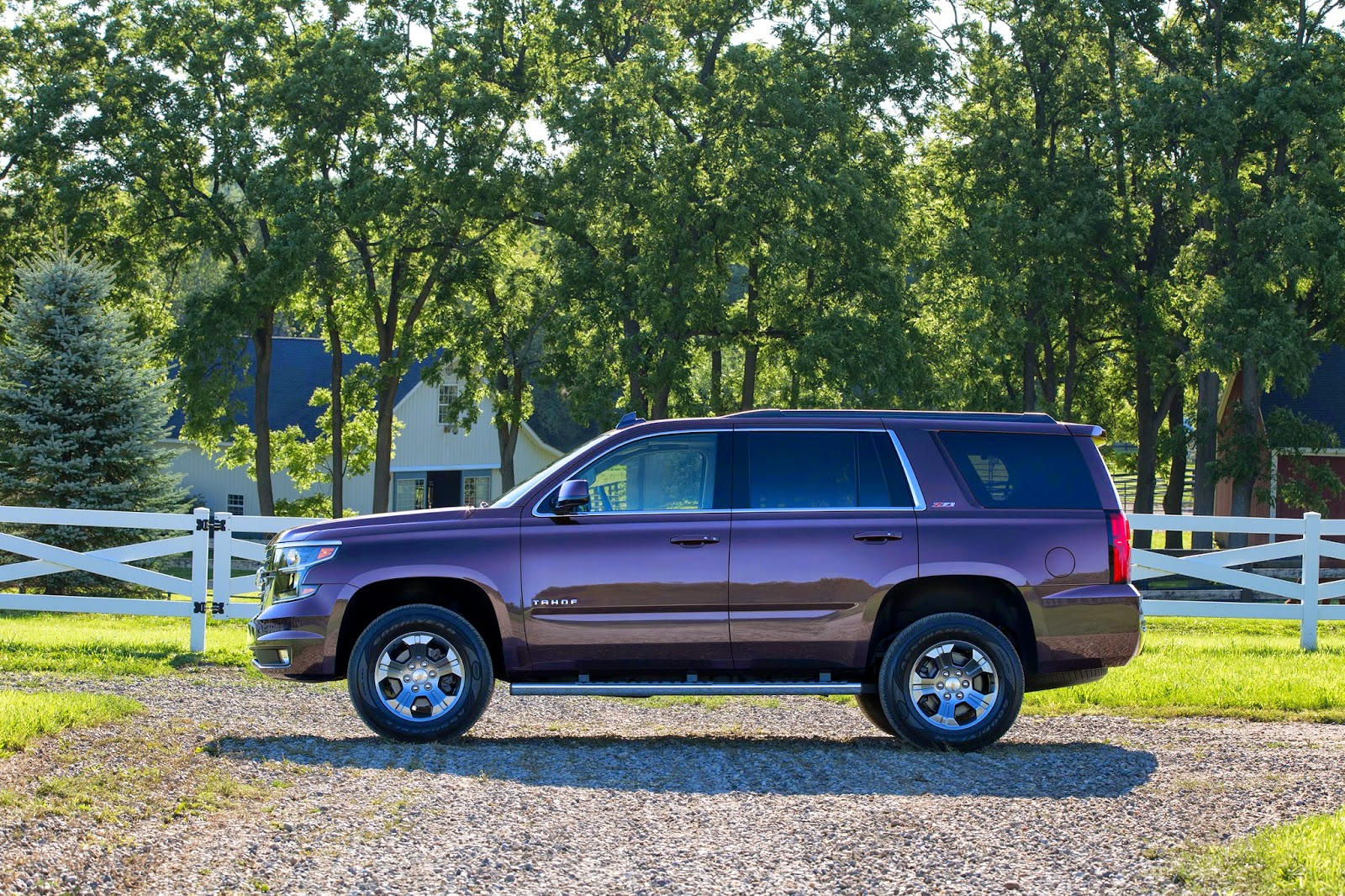 2015 chevrolet tahoe suburban z71 package details