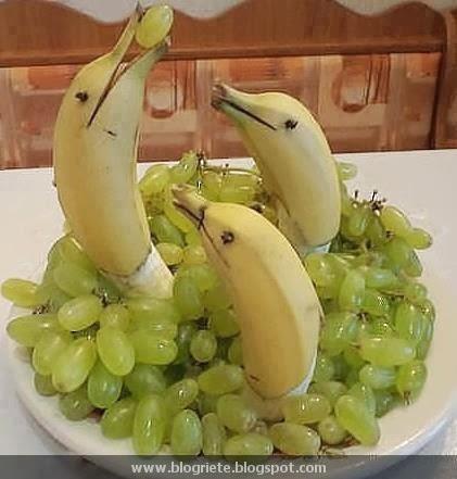 Arte en sandías y frutas.  Plato_de_uvas.jpg