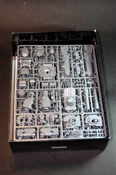 Cajón con las piezas del Caballero Imperial