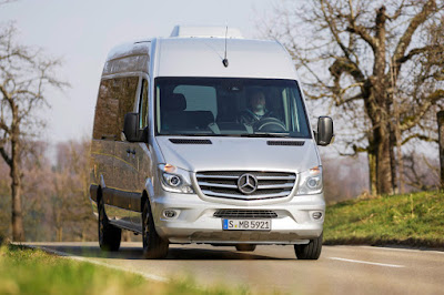 Mercedes-Benz Sprinter Traveliner 'Edition Sprinter' (2015) Front Side