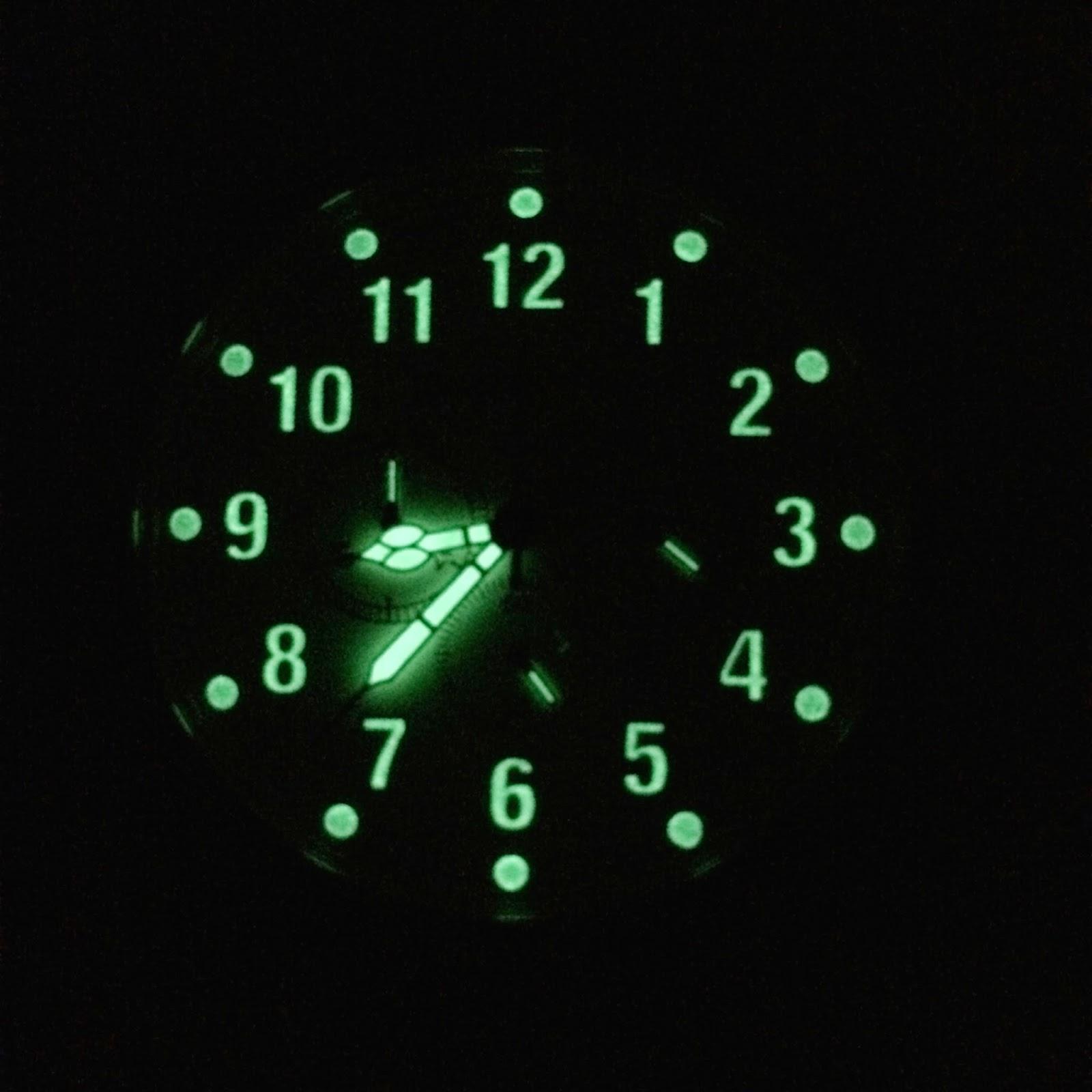 Szanto 2002 Chronograph lume