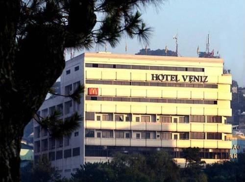 https://www.hotelscombined.com/Hotel/Hotel_Veniz.htm?a_aid=140396