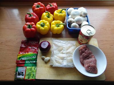 Papryki faszerowane mięsem mielonym i pieczarkami - składniki