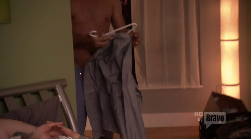 Angelo Sosa Shirtless on Top Chef s8e09