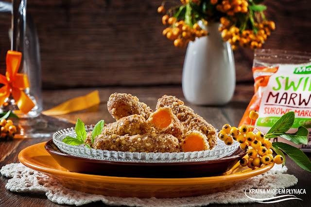 marchewkowe kąski, przekąska z marchewek, zdrowa przekąska dla dzieci, deser z marchewki, deser marchewkowy, marchewka w panierce, kraina miodem płynąca, marwitki,