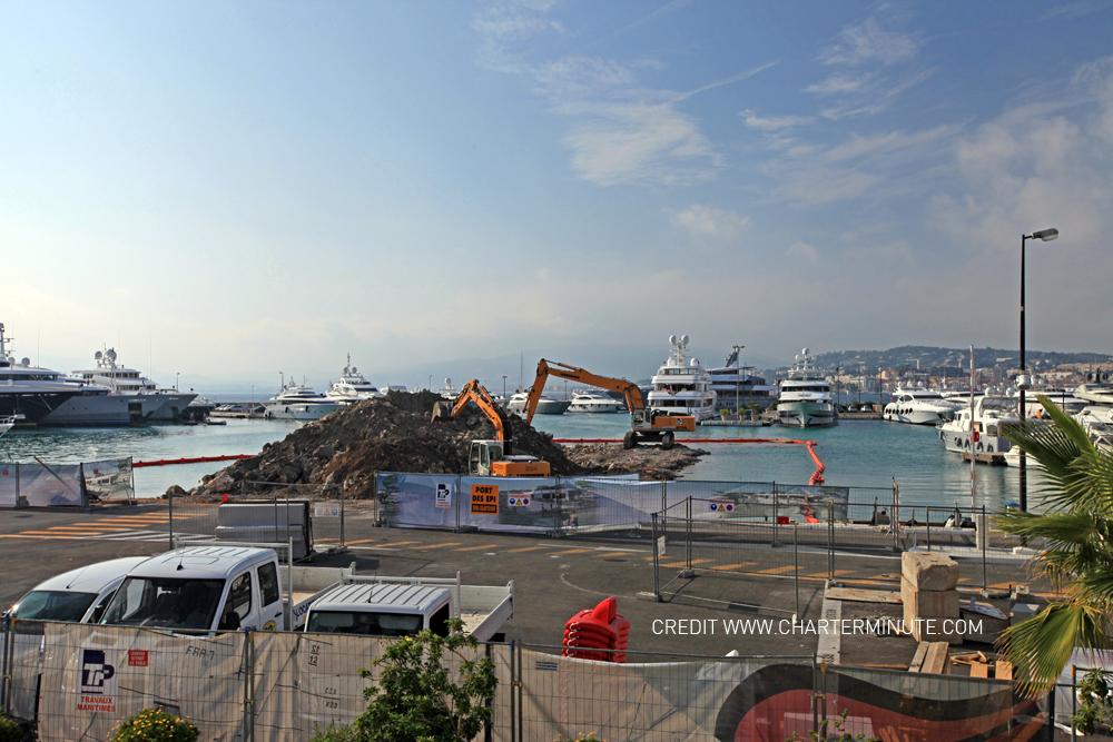 Location bateau cannes monaco et saint tropez charterminute travaux au port canto pour la - Port de cannes capitainerie ...