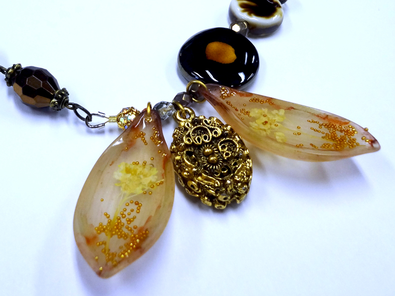 Resin Crafts: Jewelry Resin In Vintage Meadows Artworks ...