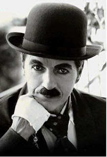 Biography of Charlie Chaplin - The Legend Comedian