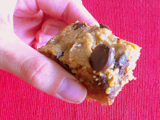 Eat Hard Work Hard: Skinny and Delicious Peanut Butter Chocolate Chip Chickpea Blondies