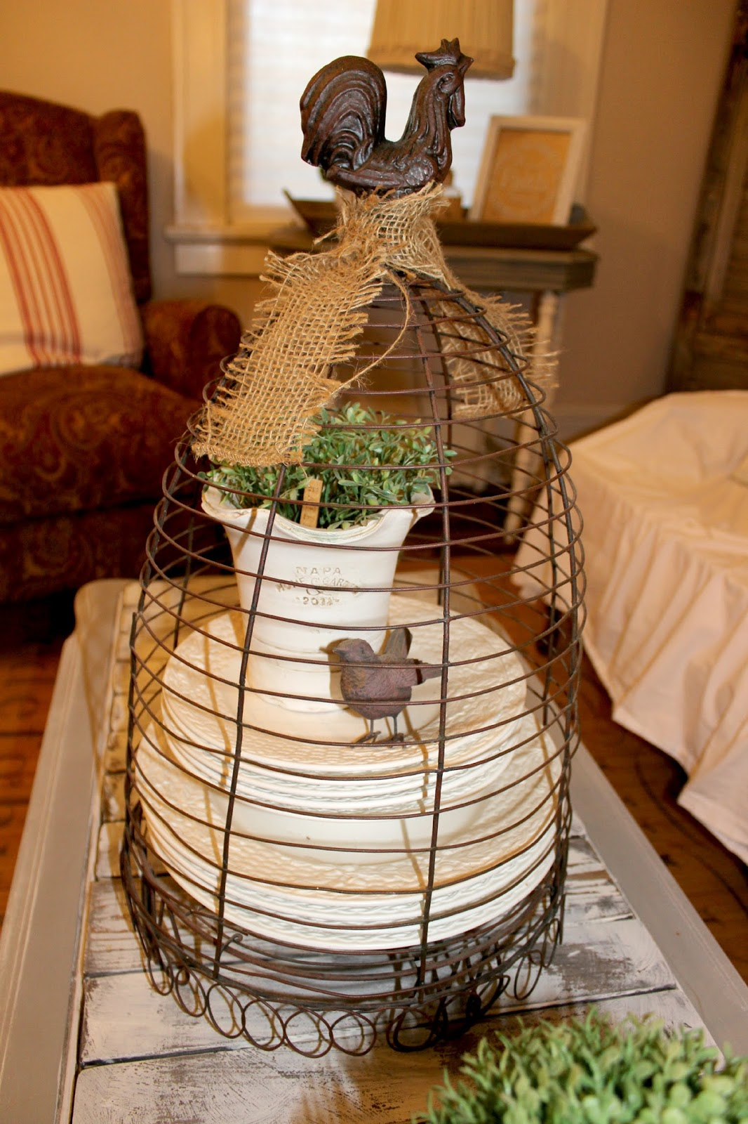 Bird cages on pinterest bird cages birdcages and for Cloche verre decorative