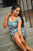Ishika singh latest sizzling pics-thumbnail-16