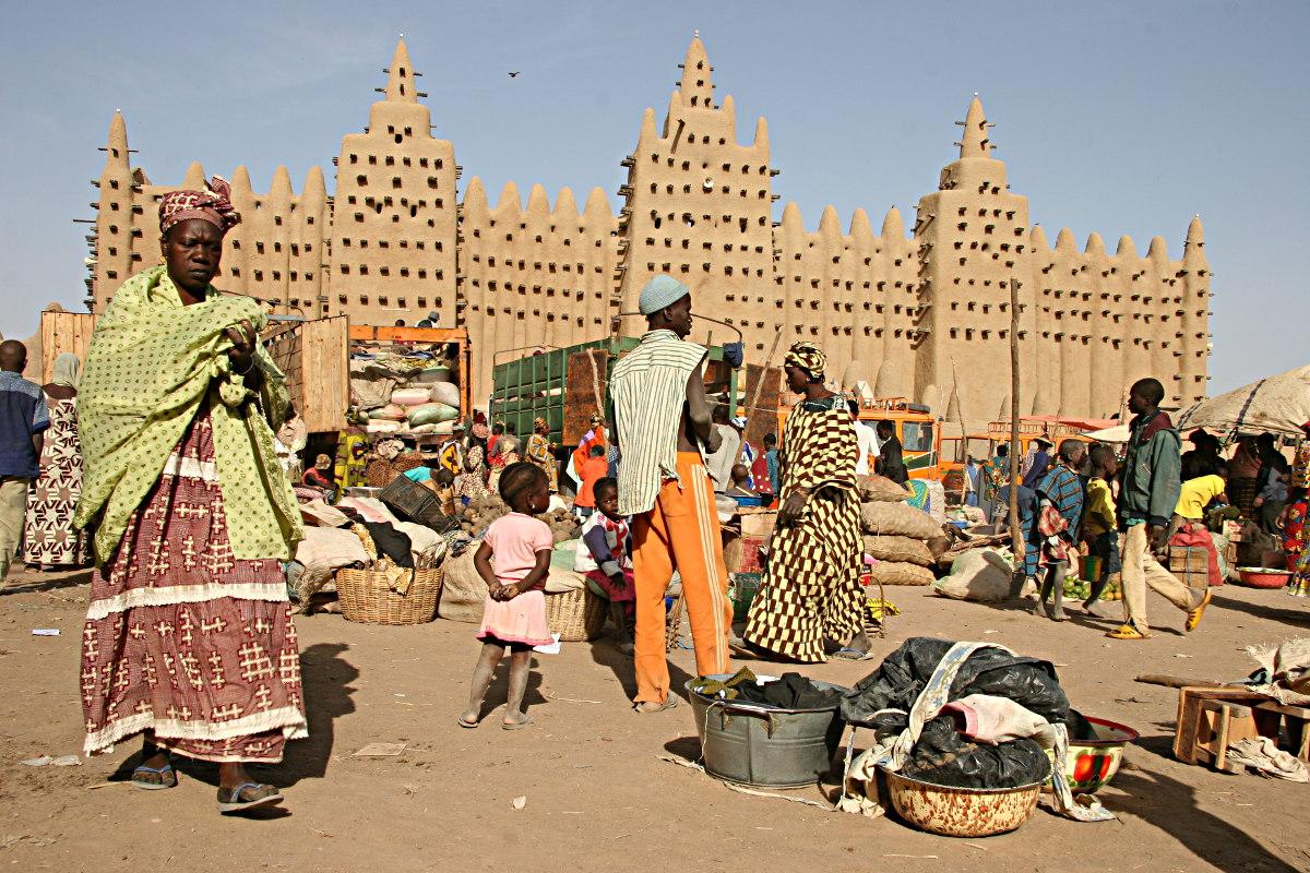 http://4.bp.blogspot.com/-XmNoa7AiORM/UZX_3_2XTTI/AAAAAAAACM0/FVgTi_iqqho/s1600/Mali_-_mosque_in_Djenn%C3%A9.jpg