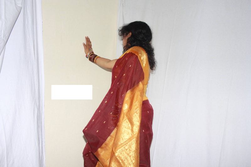 andhamina bhamalu : indian house wife saree stripping