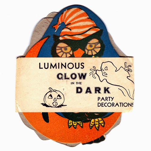 Set shown with paper band with Jack O'Lantern and scary ghost graphics.