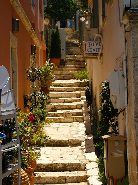 Narrow stone stairs | Architecture in the town of Fiskardo, Kefalonia, Greece