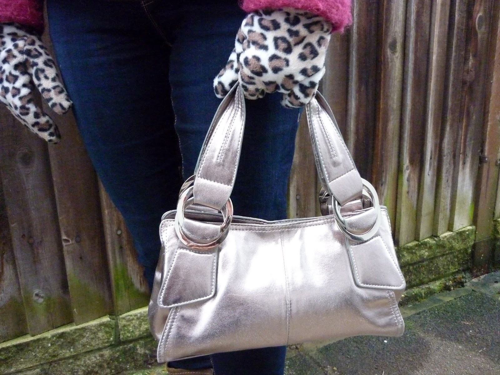 Dorothy Perkins Petite Jeans, Leopard Print Gloves, Metallic Bag | Petite Silver Vixen