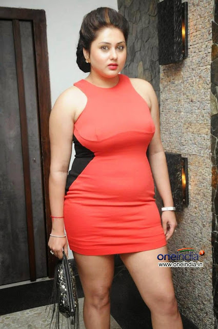 hot huge breasts south aunty namitha latest picture   nudesibhabhi.com