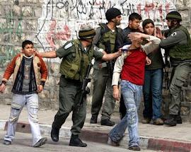 Estado terrorista de Israel tortura crianças palestinas