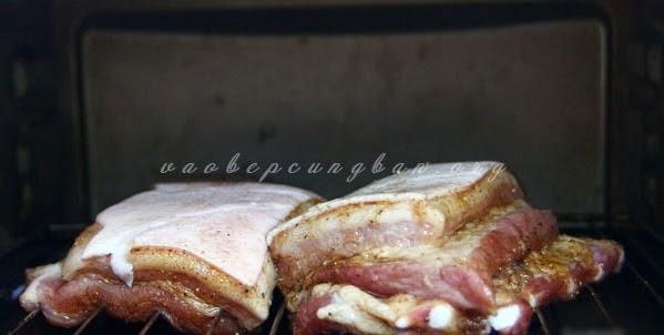 Bí quyết làm thịt ba chỉ quay giòn bì ngon mà đơn giản5