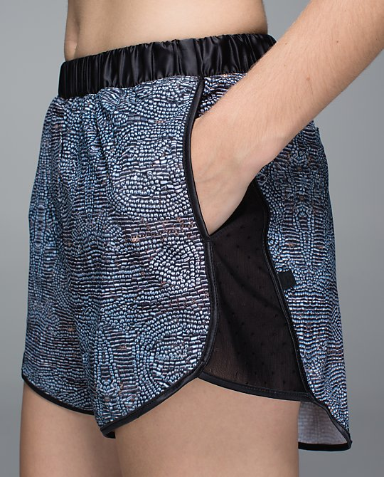 lululemon rise and shine boxer bead