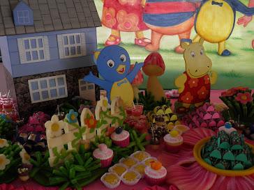 Festa Backyardigans - Detalhes mesa do Bolo