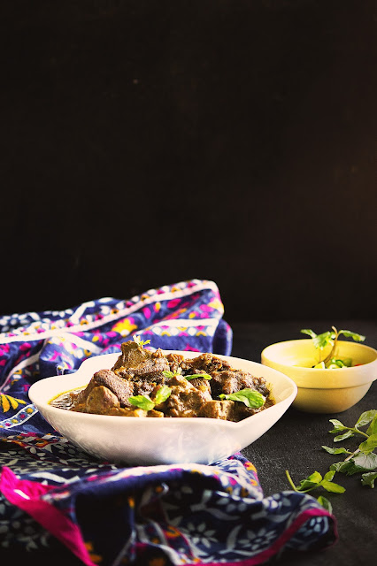 how to cook lonka mangsho or mutton with green chillies curry