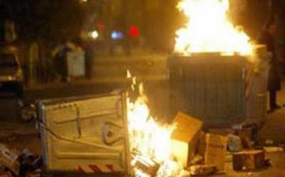 «Πρόσφυγες» έβαλαν φωτιά σε Hot Spot στην Λάρισα γιατί… άργησαν να τους πληρώσουν!