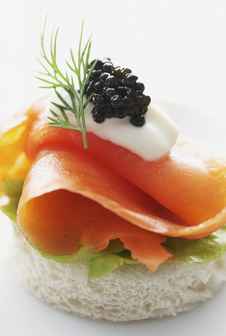 Scrumpdillyicious smoked salmon caviar canap with for Canape with caviar