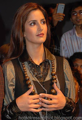 katrina kaif hot pics in a black dress
