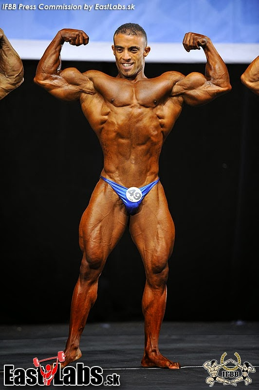 22yo bodybuilder ripped flexing at jockmenlive 5